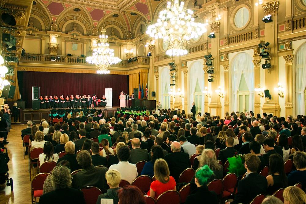 Vice-Chancellor visits Prague for historic college graduation