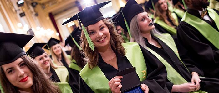 Vítejte na britské vysoké škole - v Praze od roku 2004!